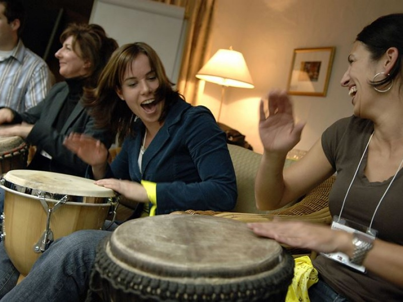 team-building-tam-tam-session-drums-percussion (11